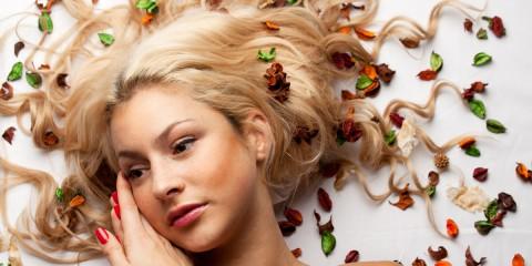 Byliny pro vlasy: seznamte se s bylinkami pro suché, normální i mastné vlasy.