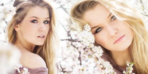 20. března 2015 je první jarní den. Co jej tak přivítat novým účesem – střihem, barvou nebo alespoň stylingem? Tady je 10 moderních jarních účesů!