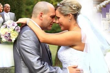 Svatební šaty, svatební účes, hostina… chybí už jen někdo, kdo celou tu parádu zvěční. Kvalitní svatební fotograf nesmí na svatbě chybět!