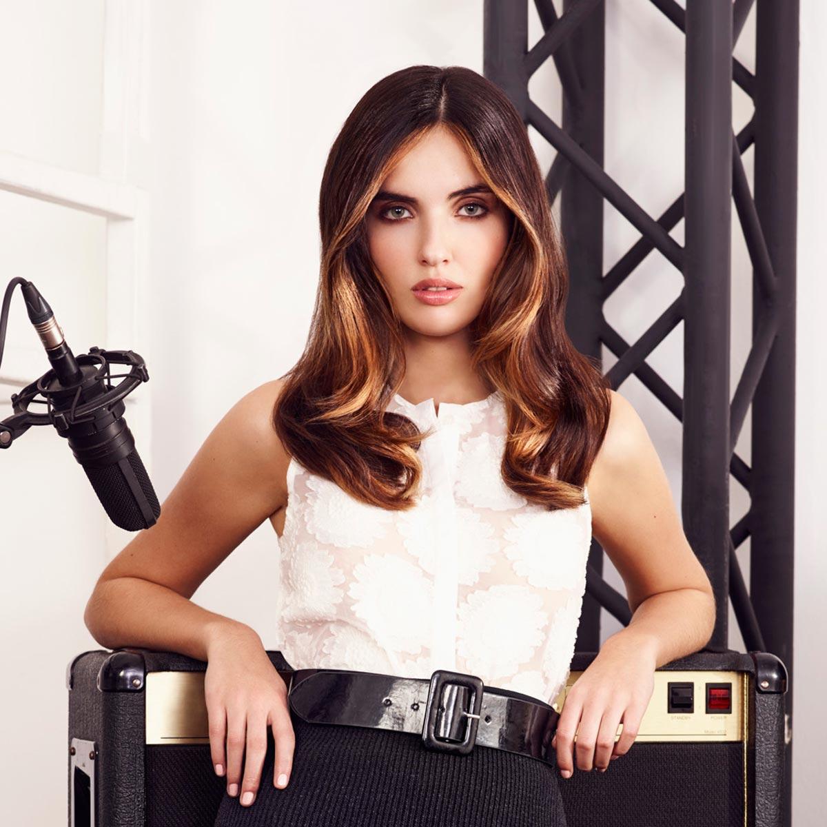 Melírovací techniky 2015 – contouring: zkuste melírování vlasů ve stylu speciální aplikace make-upu, jehož propagátorem je například Kim Kardashian.
