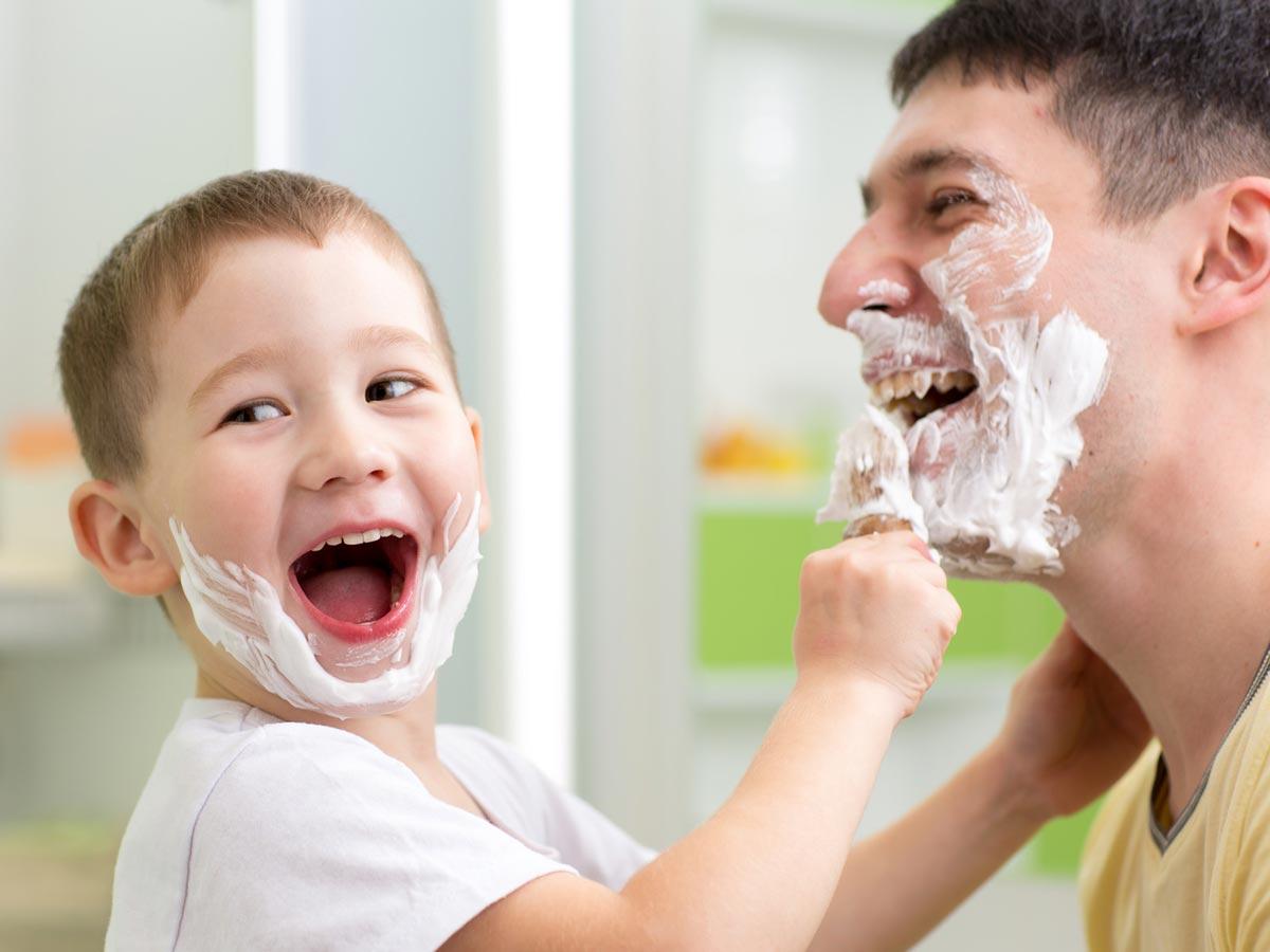 Znalosti jak se správně holit se obvykle dětí z otce na syna. Avšak nedopouštíte se právě vy už po generace stejných chyb při holení?