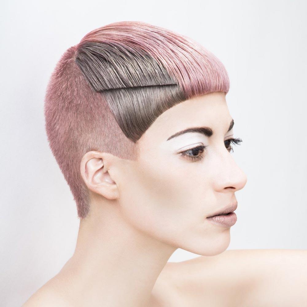 Barevné vlasy 2016 – Barva do střihu a barva v módních color blocích bude hitem sezóny. (Austrian Hairdressing Award 2015, René Melcher.)