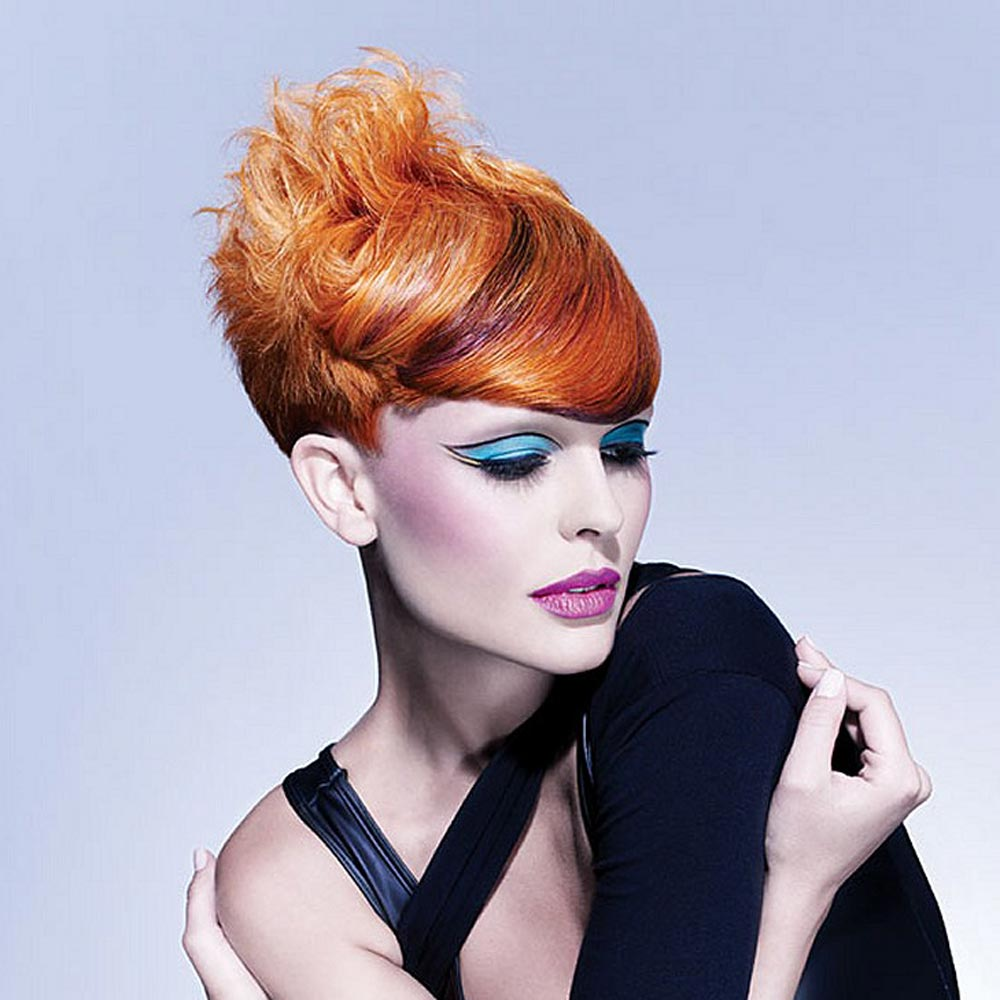 Účesy pro krátké vlasy podzim/zima 2014/2015: vyhrajte si na podzim se stylingem! Jeden účes může mít díky stylingu mnoho podob!