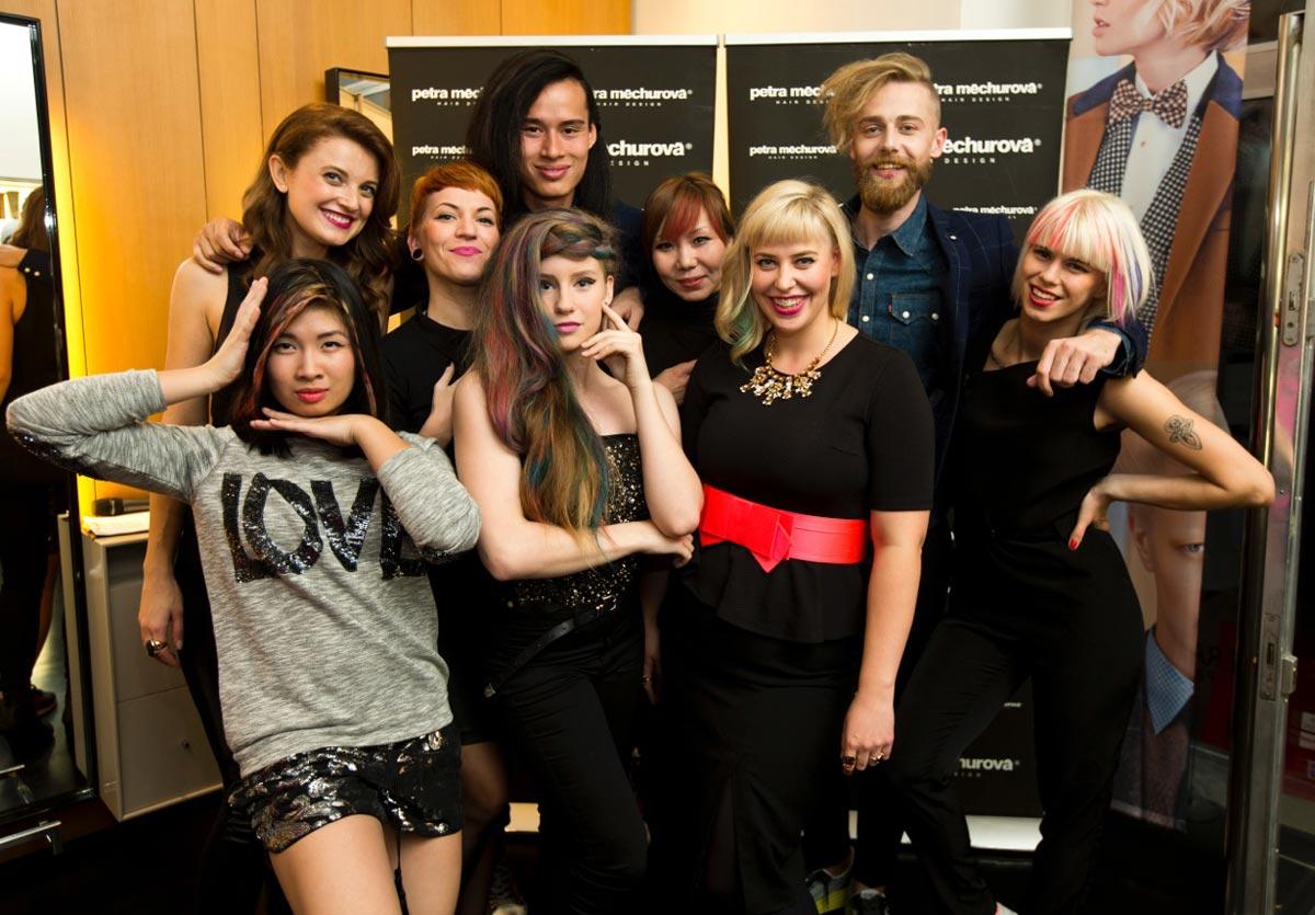 Modelky a kadeřníci Salonu Petra Měchurová na akci salonu v rámci podzimního Designbloku.