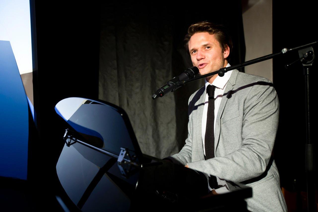 Vystoupení Ondřeje Brzobohaté na akci Salonu Petra Měchurová a slavnostním uvedením kolekce DRIVE v rámci podzimní akce Designblok.