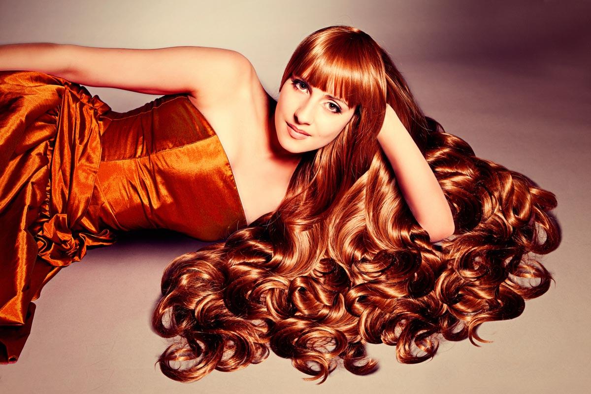 Krásné a zdravé vlasy potřebují výživu zevnitř a život bez stresu.