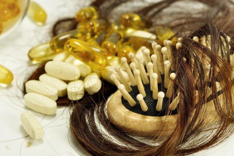 Léky bývají jednou z příčin padání vlasů. Víte které léky vás mohou připravit o vlasy? Většinou sice jenom dočasně, ale přesto! Na které si dát pozor?