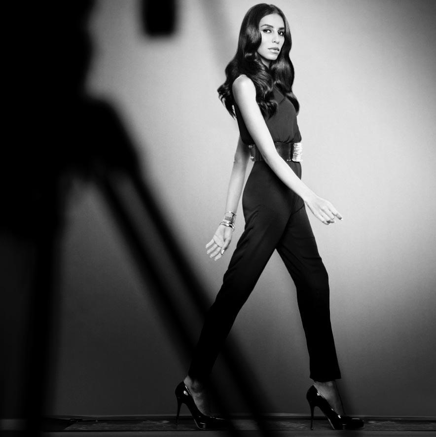 Brazilská modelka Lea T se stala novou tváří značky vlasové péče Redken.