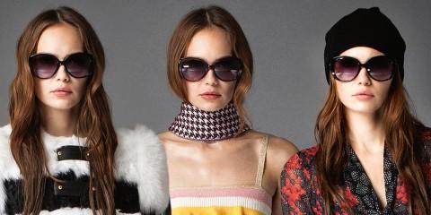 S kolekci Pre-Fall 2015 představila móda Roberto Cavalli také 42 variací na jedny dlouhé vlnité vlasy. Překvapivá vás, jak se můžou měnit účesy na jedné ženě.