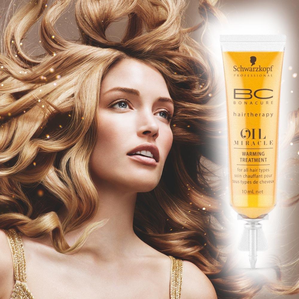 Nový přípravek BC Oil Miracle Schwarzkopf Professional. Hřejivá kúra o obsahu 10 ml je určena pro ošetření v kadeřnickém salonu. Teplé a příjemné ošetření před mytím vlasů s okamžitým obnovujícím efektem v podobě uhlazení, vyživení a potlačení krepatění.