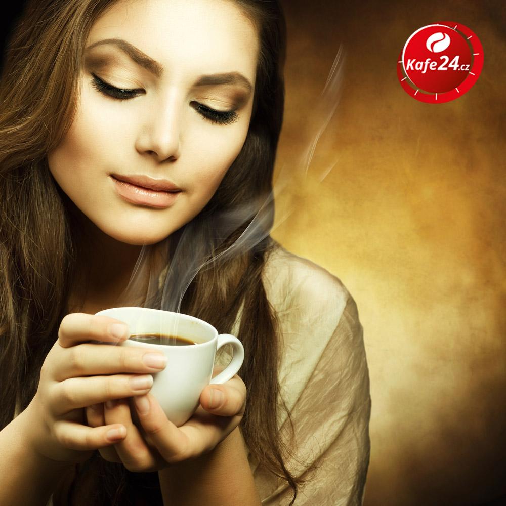 Kvalitní káva příznivě ovlivní růst našich vlasů.