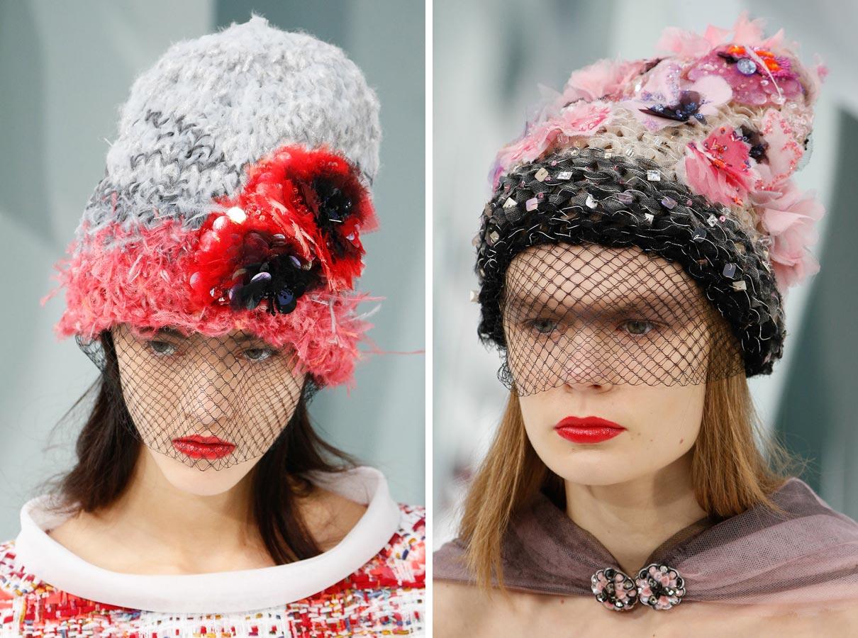 Věřte-nevěřte, uplést Haute Couture čepice podle Chanel zvládne i méně zručný začátečník.