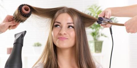 Co dělat, když vlasy volají po radikální obnově na kterou běžné metody nestačí? Vyzkoušejte hloubkovou obnovu metodou biolage kauterizace!