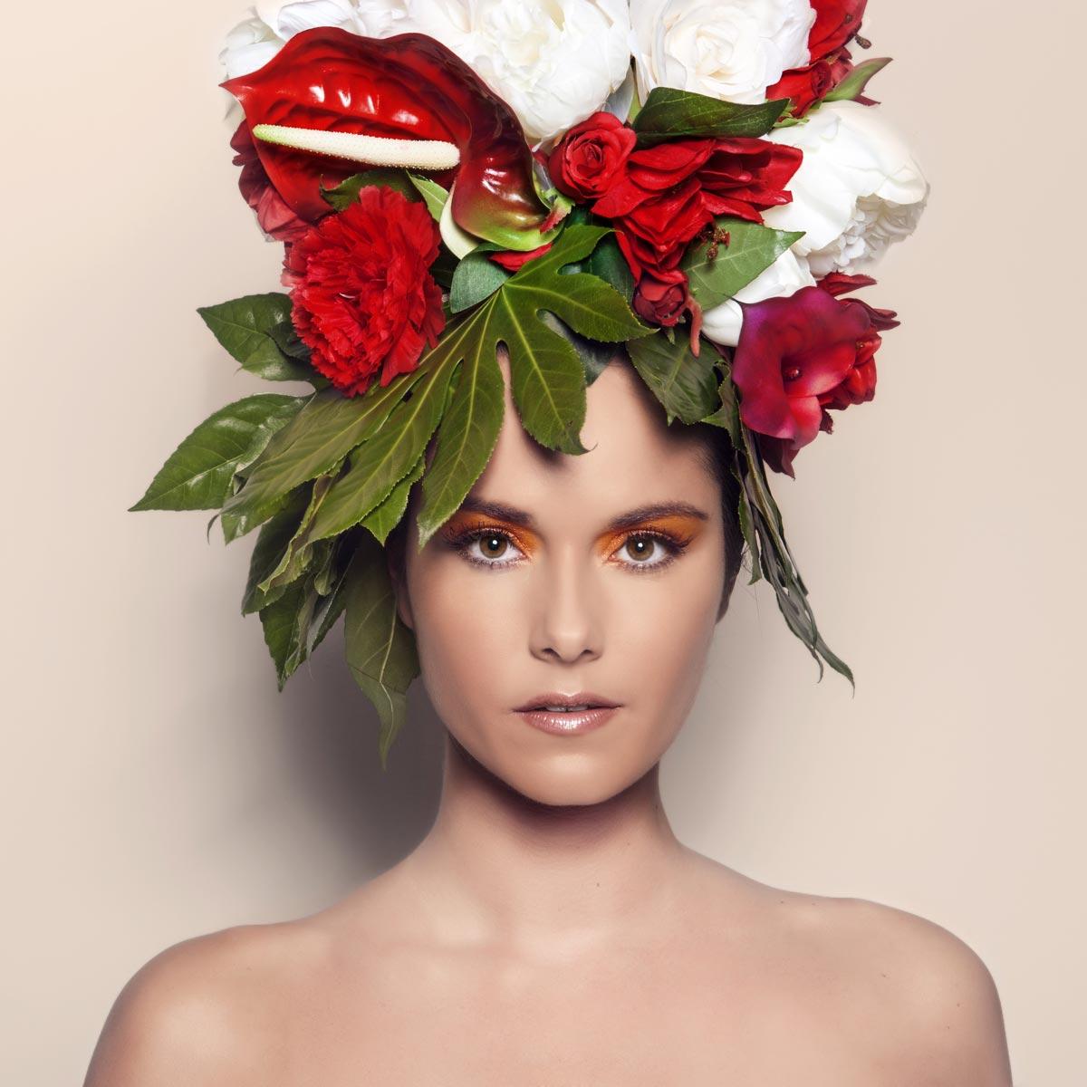 Výrazným prvkem kolekce Honza Kořínek The Butterflies jsou nádherné fotografie, kde vlasy nahradili obří květinové kompozice.