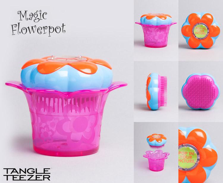 Tangle Teezer pro děti je přizpůsoben velikosti dětské ručky a schová i pár sponek či gumiček do vlasů.