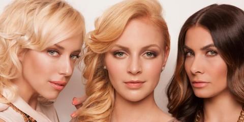 Český kadeřník Honza Kořínek tentokrát vytvořil kolekci účesů, která představuje blond barvu jako kult dnešní doby. Podívejte se!
