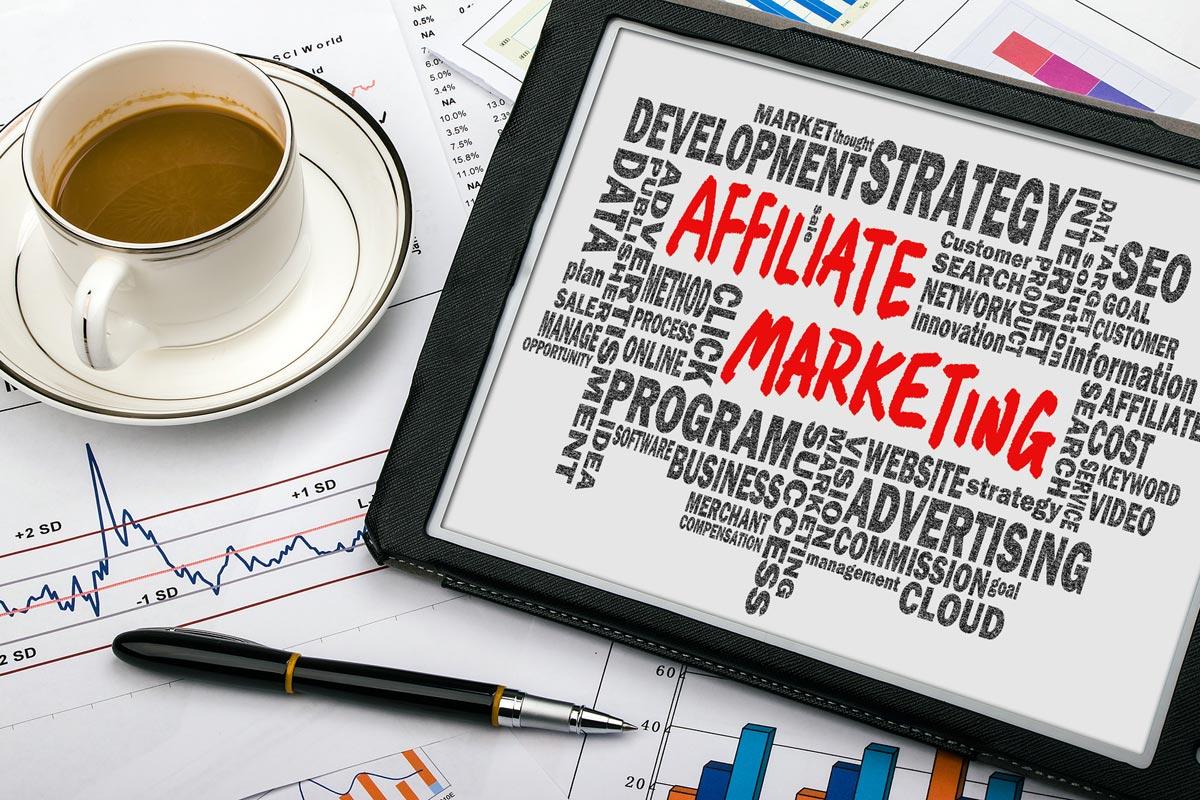 Affiliate marketing vám může vydělat peníze téměř bez práce. Pomozte propagovat finanční služby a vydělejte na tom!