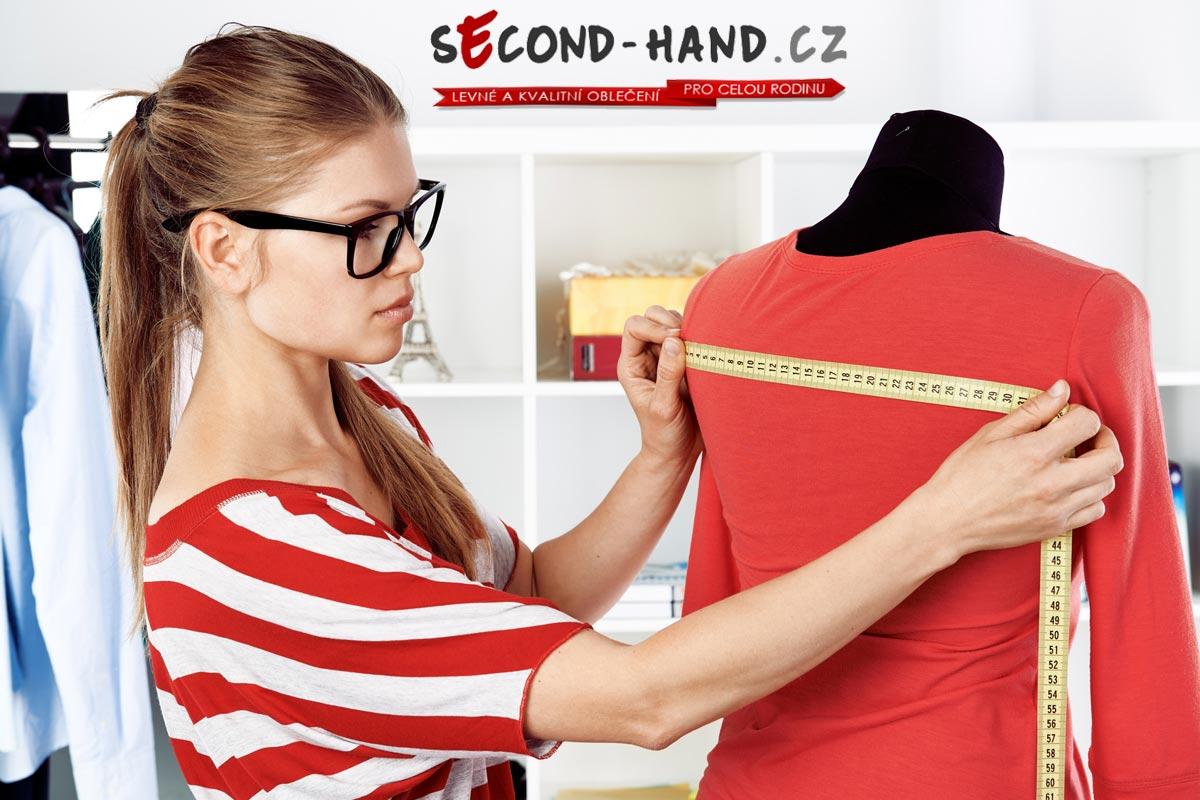 Každý módní kousek tým Second-hand.cz nejdříve proměří. Vždy tedy víte, co kupujete a jestli vám to sedne.