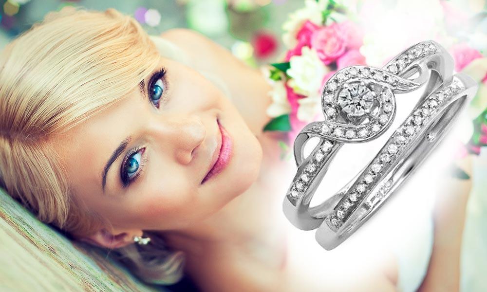 Stříbrný set zásnubního a snubního prstenu s diamanty. Cena: 7300 Kč. (Dodává: Klenotnictví Klenota)