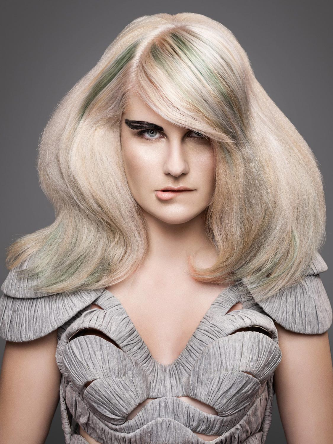 Michaela Kratochvílová, Salon TOP, Třebíč – nominace v soutěžní kategorii Color Zoom Collection 2015 GLOBAL PARTNER COLORIST.