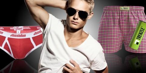 Už víte, co se v pánském spodním prádle nosí a co už je za zenitem? Slipy jsou pořád populární a možná teď více ukážeme nejen chlapské zadky!