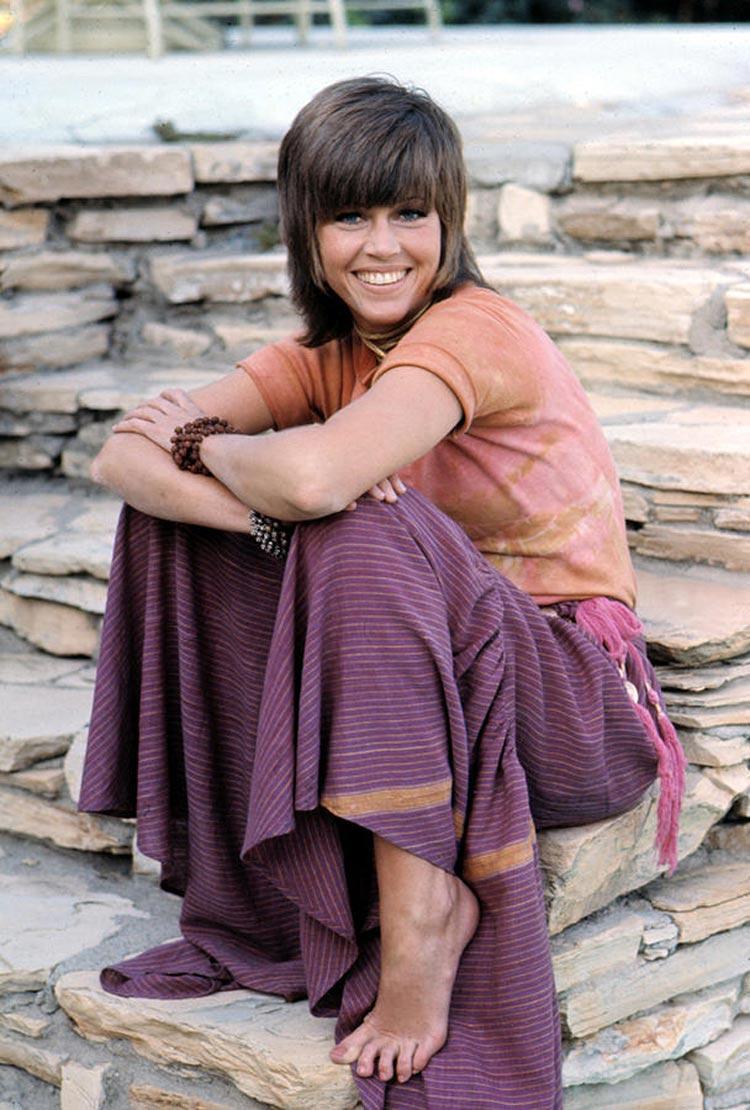 Za vznikem shag účesu stál kadeřník Paul McGregor, který jej vytvořil pro americkou herečku Jane Fonda v roce 1971.