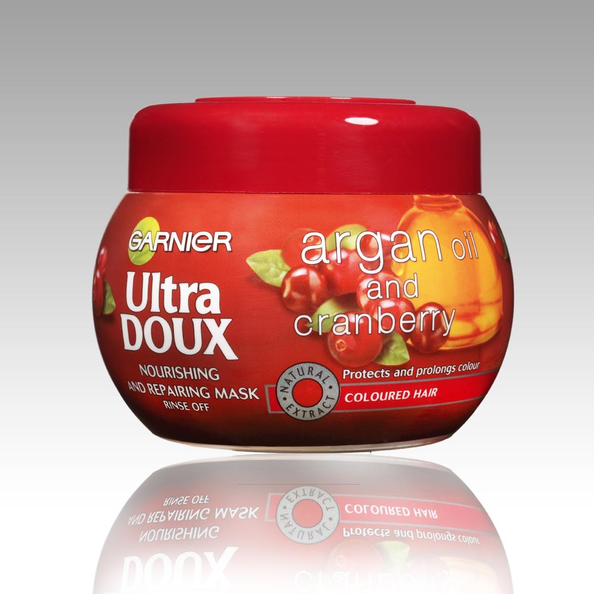 Masky na vlasy Garnier Ultra Doux: maska na vlasy Ultra Doux Arganový olej a brusinka.