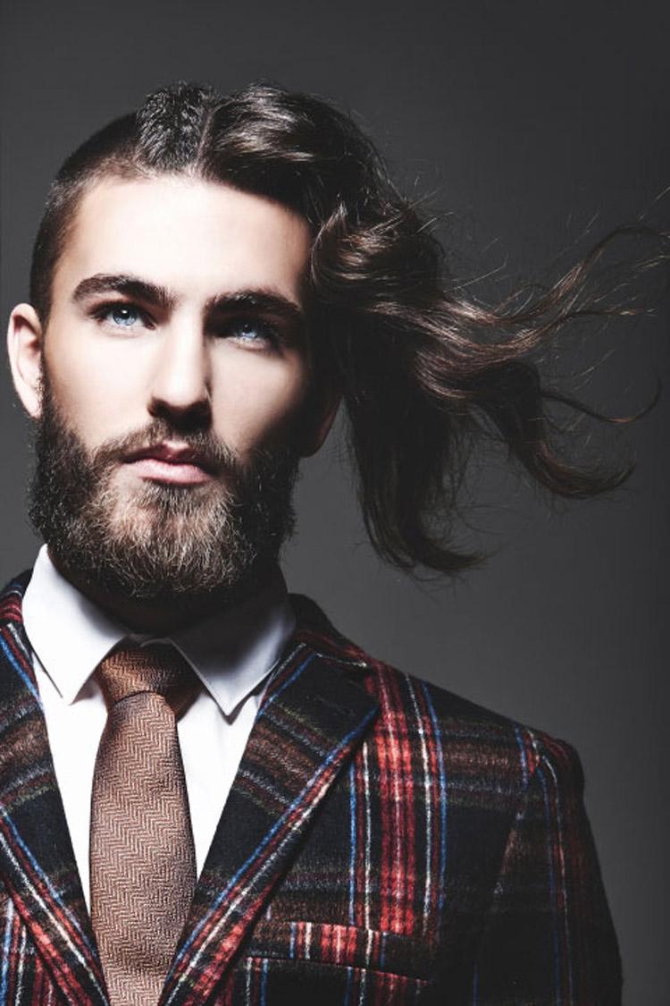 Pánské účesy 2015 Paul Pereira (Solo Bace Salon in Toronto, ON) – nejlepší pánské účesy nominované v soutěži NAHA 2015, v kategorii Men's Hairstylist of the Year.