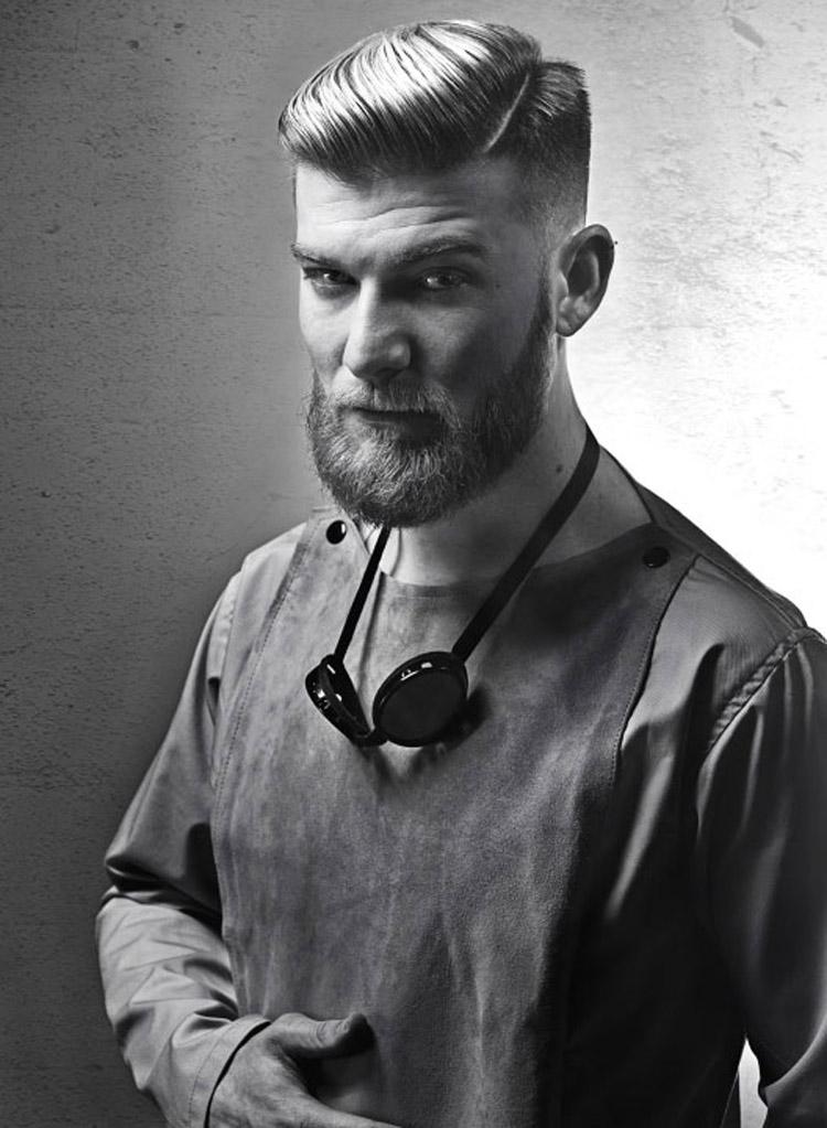 Pánské účesy 2015 Eric Zamarripa (Lock & Loaded in Chicago, IL) – nejlepší pánské účesy nominované v soutěži NAHA 2015, v kategorii Men's Hairstylist of the Year.