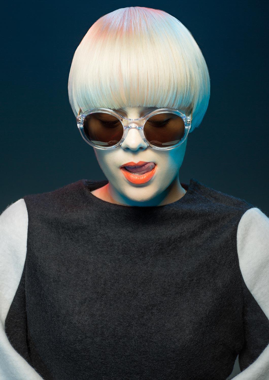 Kolekce účesů Salon Petra Měchurová SING-SING-SONG 2015 – účesy: Ivana Volhejnová.
