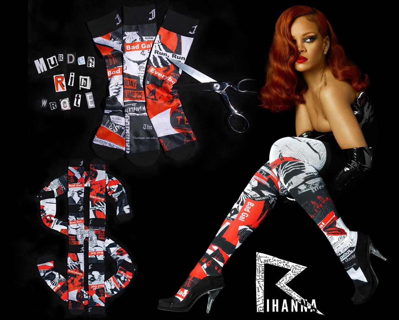 Rihanna s barvou vlasů Marsala (2015).