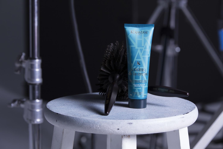 Krém na vlasy Créme de la Créme z řady Couture Styling od Kérastase pomůže vyřešit váš problém s krepatými vlasy i s nechtěným objemem.