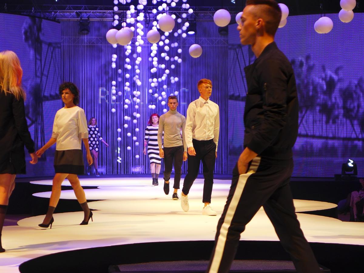 Představení kolekce Bomton Realistic 2016 na galavečeru AICHI.