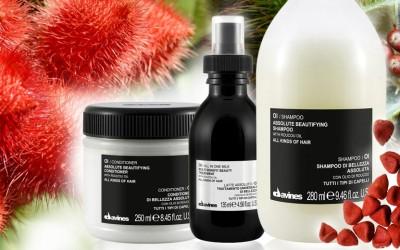 Otestovali jsme vlasovou kosmetiku Oi Davines se zkrášlujícími oleji. Podívejte se, jak v testu dopadl Oi šampon, kondicionér a mléko na vlasy.
