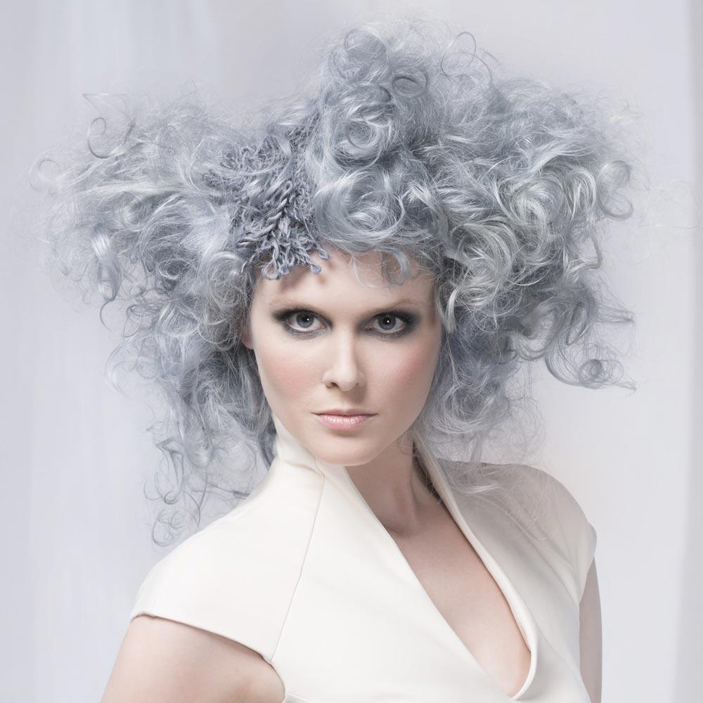 Barevné vlasy 2016 – šedá je barvou roku 2016 pro vlasy! (Wella Studio Signature Team – NYLA.)