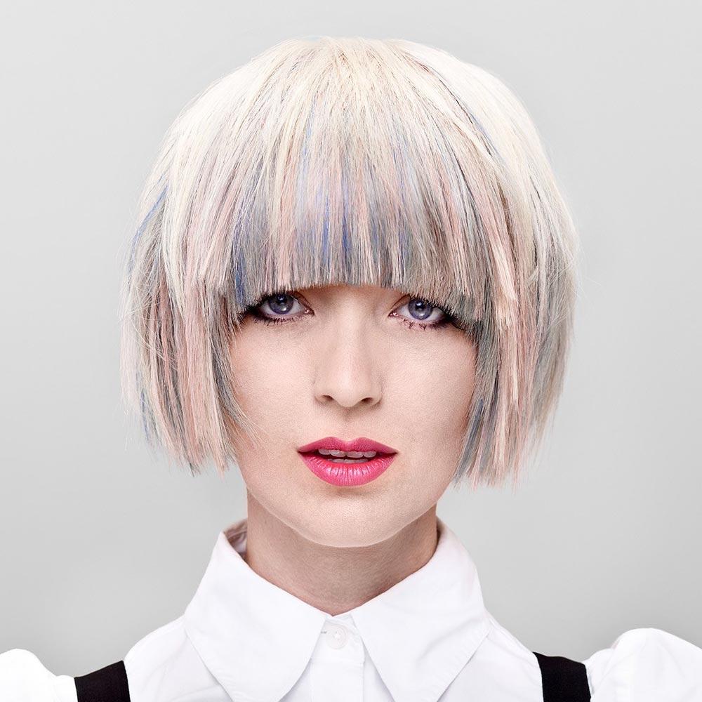 Barevné vlasy 2016 – trendy melíry budou velice kreativní a současně harmonické. (Audrey Adrine Petrosyan, Canadian Hairstyling Awards Contessas 2012.)