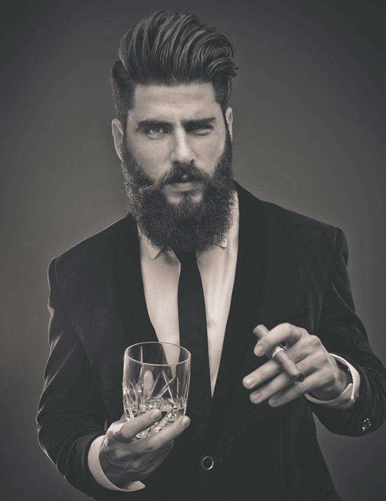 Pánská móda 2016 pro vlasy Matty Condrad představuje účesy s parádním hipsterským plnovousem.