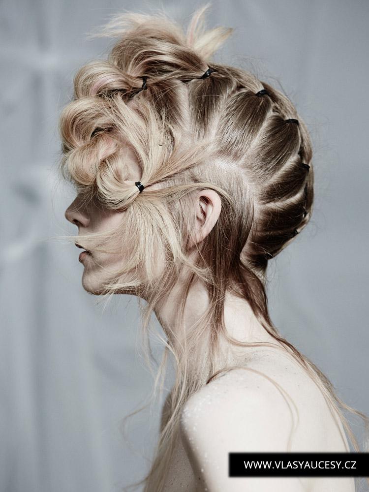 Dlouhé vlasy 2016 jako gumičkové copy a výčesy. (Hayley Bishop / British Hairdressing Awards 2015)