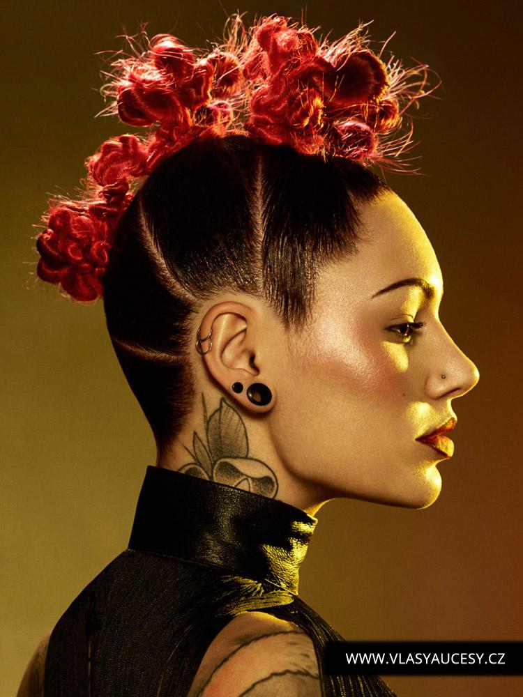 Dlouhé vlasy 2016 jako bavlnkové kreace. (Joseph Ferraro / British Hairdressing Awards 2015)
