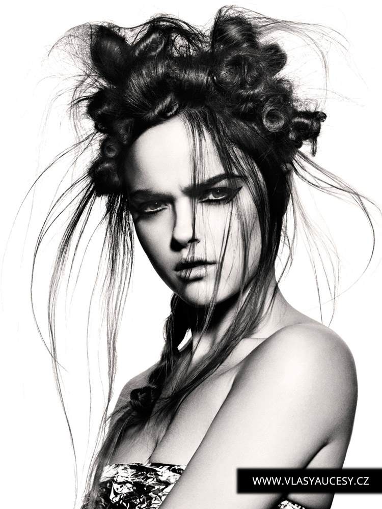 Dlouhé vlasy 2016 jako bavlnkové kreace. (Angelo Vallillo / British Hairdressing Awards 2015)