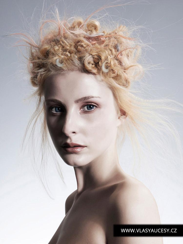Dlouhé vlasy 2016 jako bavlnkové kreace. (Jennifer Pelter / British Hairdressing Awards 2015)