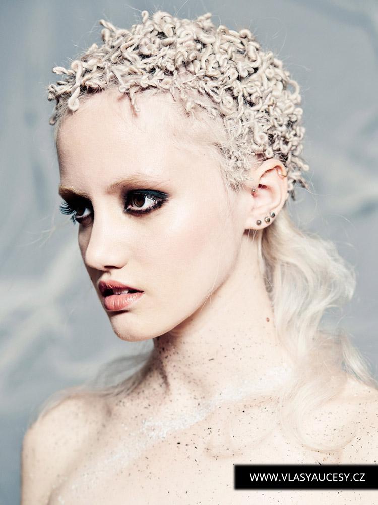 Dlouhé vlasy 2016 jako bavlnkové kreace. (Hayley Bishop / British Hairdressing Awards 2015)