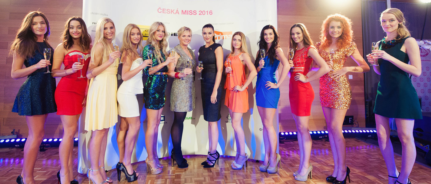 Prestižní soutěž krásy, ale i šarmu a inteligence, Česká Miss 2016 zná svých 10 finalistek. My kromě toho víme, kdo se stará o jejich krásné vlasy.