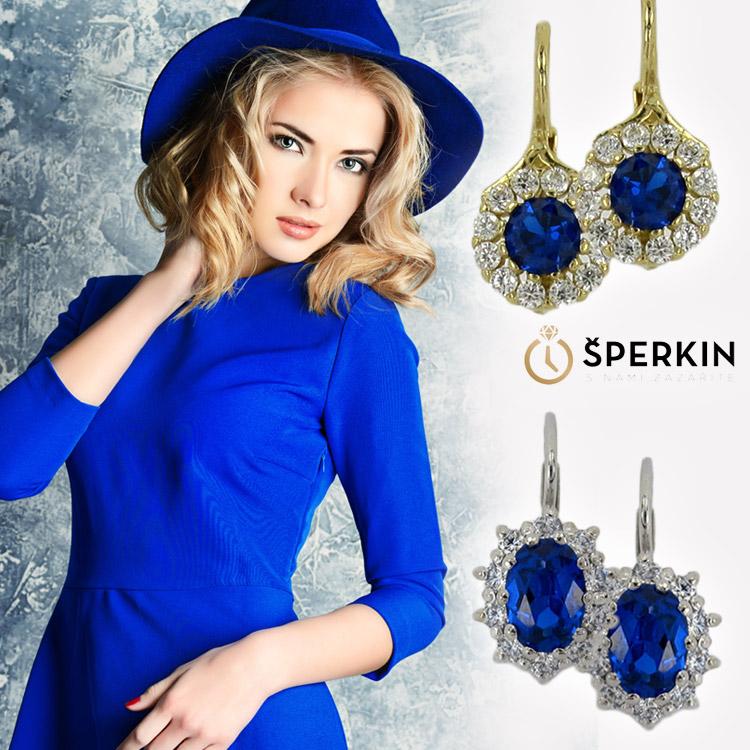 Oživte blond účesy kombinací s barevnými kameny sladěnými s barvou outfitu. Tyto krásné šperky koupíte v e-shopu Šperkin.cz.