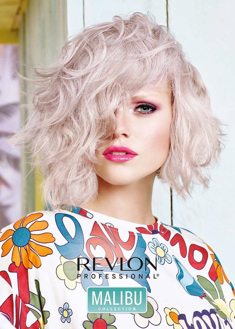 Jarní a letní účesy 2016 od Revlon Professional přejí trendu Pearlescent. Je jakousi nástavbou barvy roku 2016 Rose Quartz. Navíc přibyl perleťový lesk.