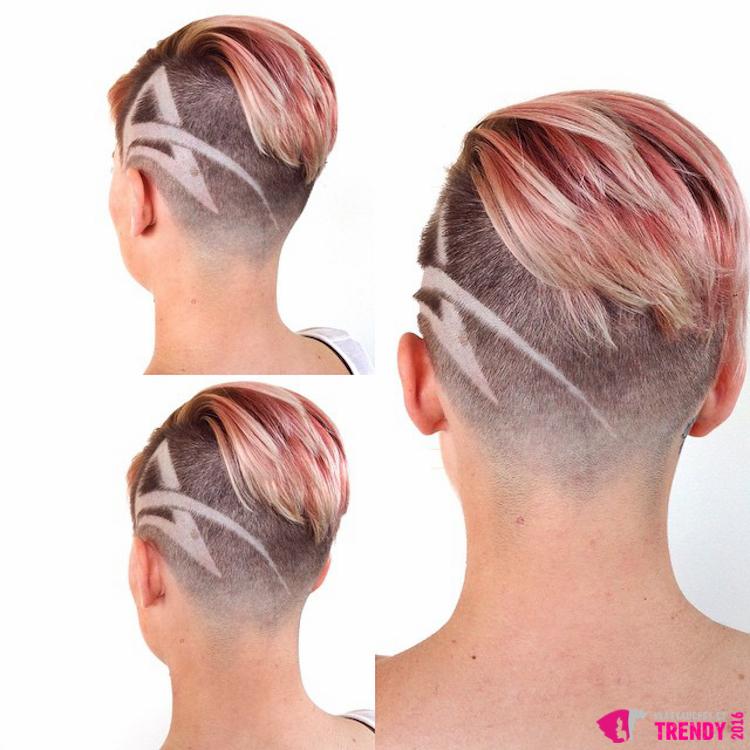 Růžový melír, undercut střih a vyholené tattoo ve vlasech – módnější krátké vlasy letos asi nenajdete.
