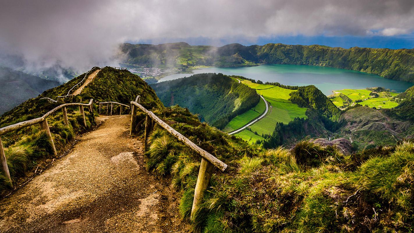 Azorské ostrovy jsou atraktivní dovolenkovou destinací. Zajímavé zájezdy na Azory najdete v nabídce Nirvana Travel.