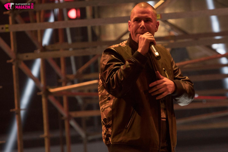 Hudební hvězdou večera, který doprovodil také avantgardní kolekci byl známý rapper Vladimír 518