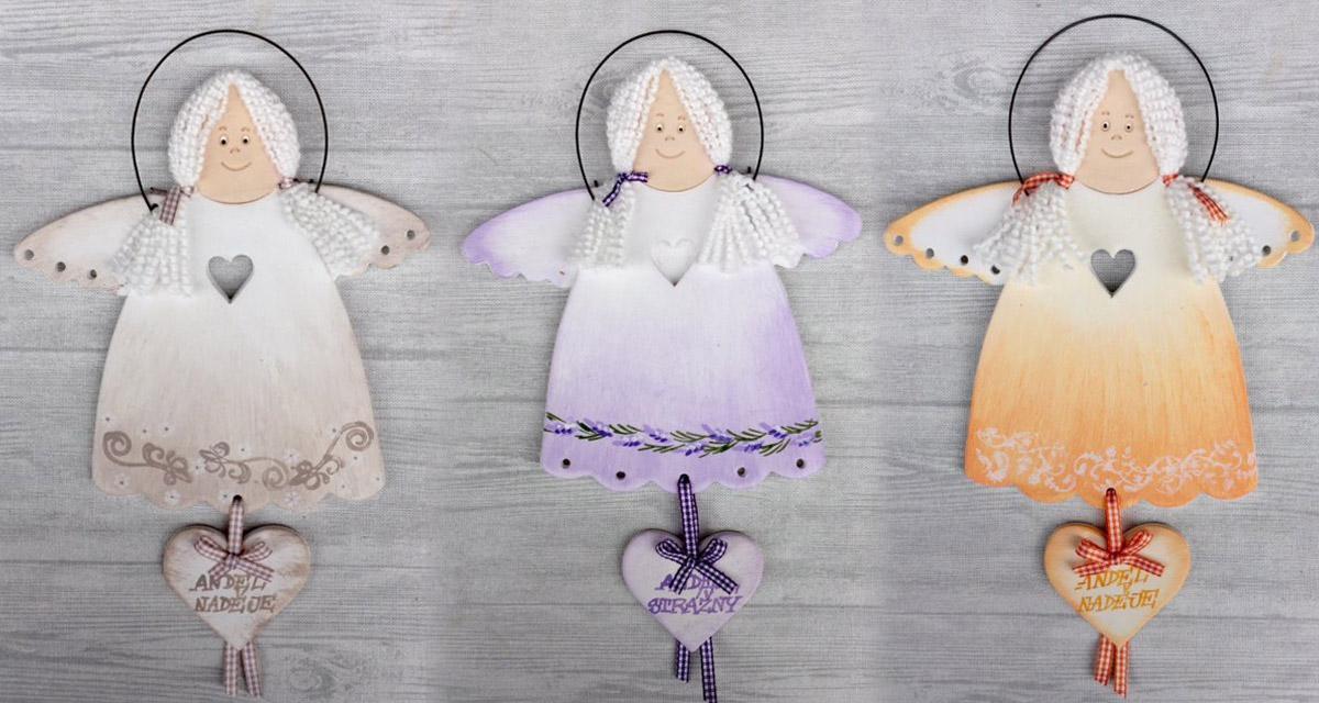Keramičtí andělé jsou skvělým tipem na dárek. Jsou z dílny Keramika Andreas.
