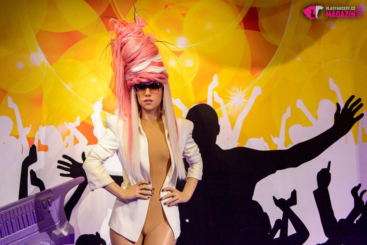 Ani v amsterodamském muzeu voskových figurín Madame Tussauds není Lady Gaga s obyčejným účesem – právě naopak!
